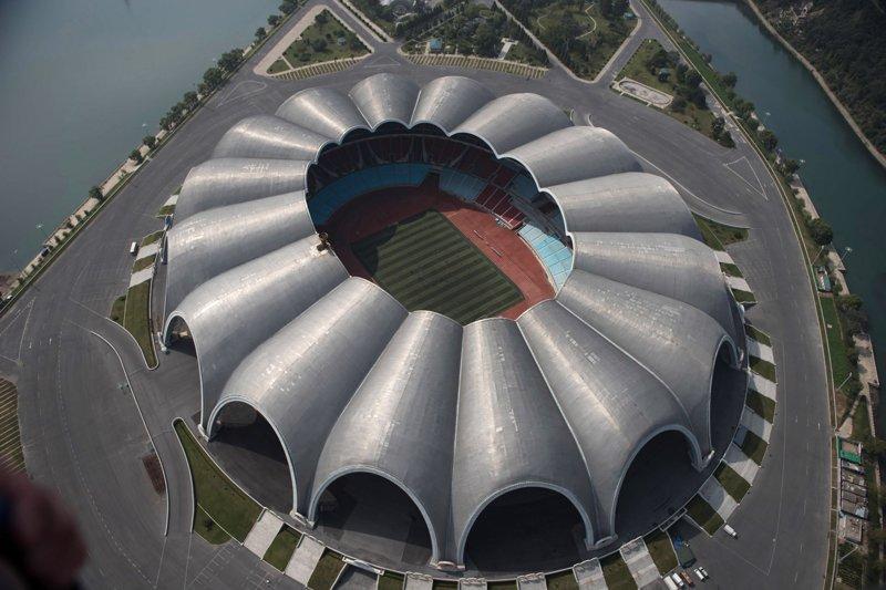 Недавно переобустроенный стадион Рунградо Мэй Дэй предположительно способен вместить до 114 тысяч зрителей Арам Пан, Пхеньян, видео, красота, редкие кадры, с высоты, фотограф