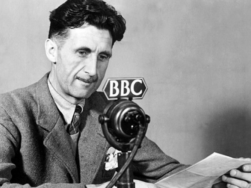 25 июня 1903 года в Мотихари родился английский писатель и публицист Джордж Оруэлл!