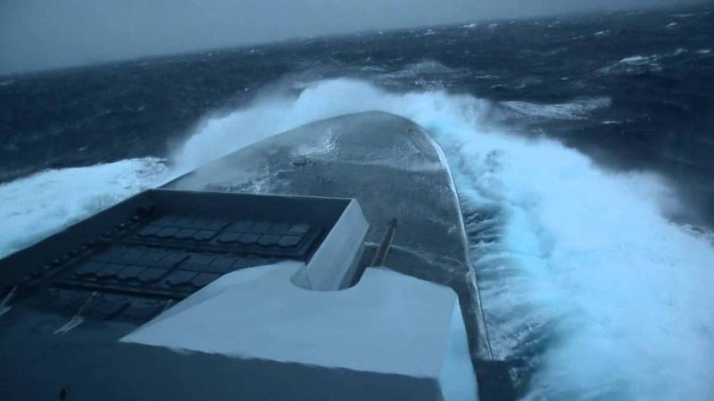 Кто флот имеет, тот морем и владеет