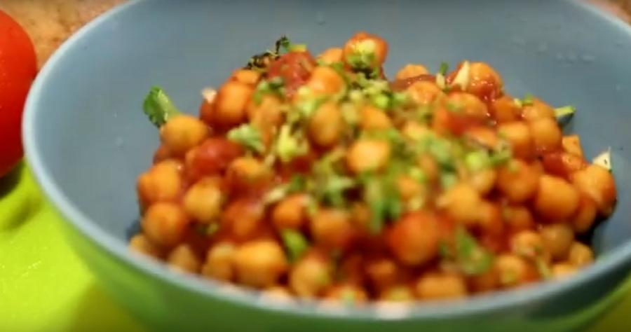 Нут в томатном соусе-отличное блюдо на каждый день