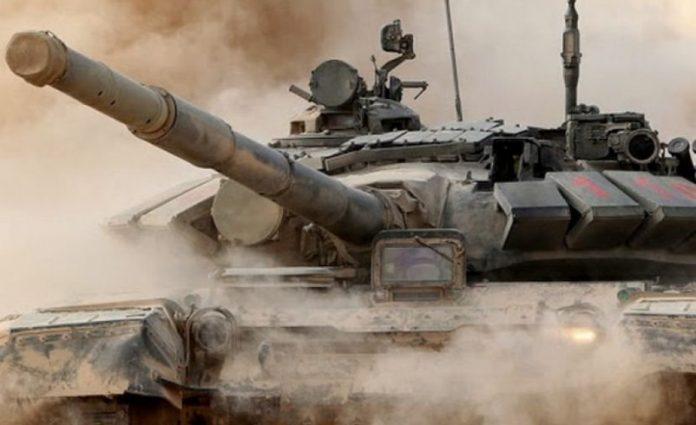 Боевики ВСУ из танков обстре…