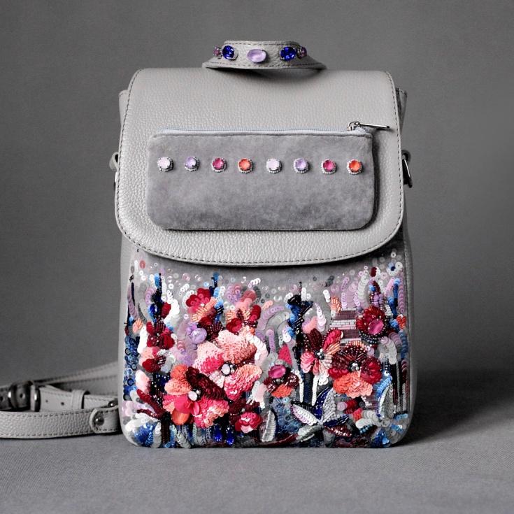Расшитый пайетками рюкзак