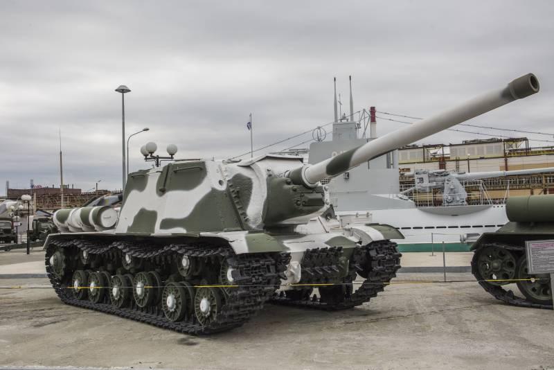 Рассказы об оружии. ИСУ-122: трудный путь фронтовика