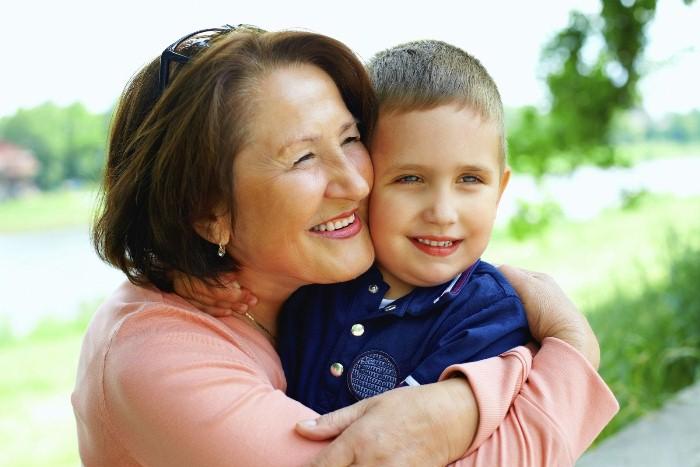 Детство многих прошло с бабушками.