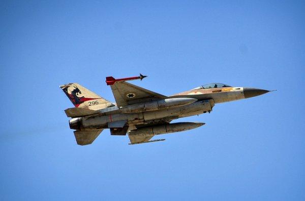 Россия обвинила Израиль в авиаударе по сирийской авиабазе