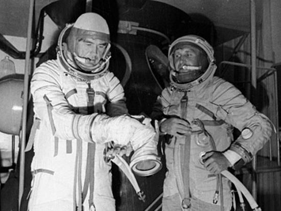 Драматичный полет космонавто…