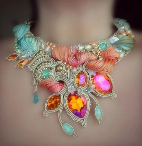 Фантастические украшения с лентой шибори