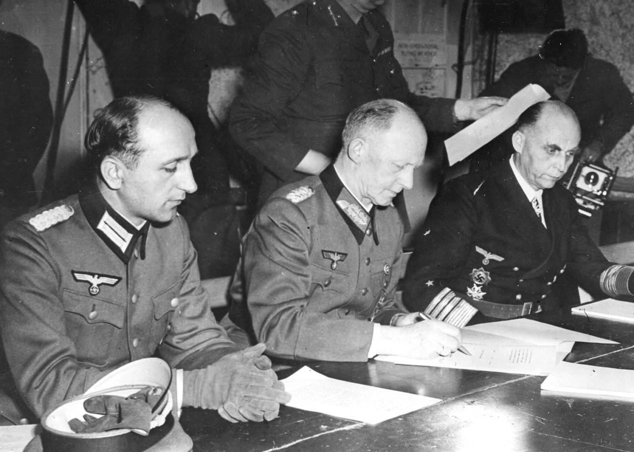 Как нацисты пытались избежать капитуляции