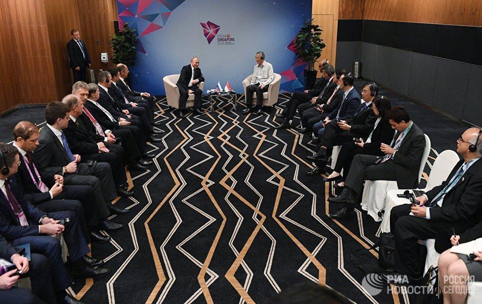 СМИ: Премьер-министр Сингапура отменил встречу с Владимиром Путиным из-за опоздания главы Кремля