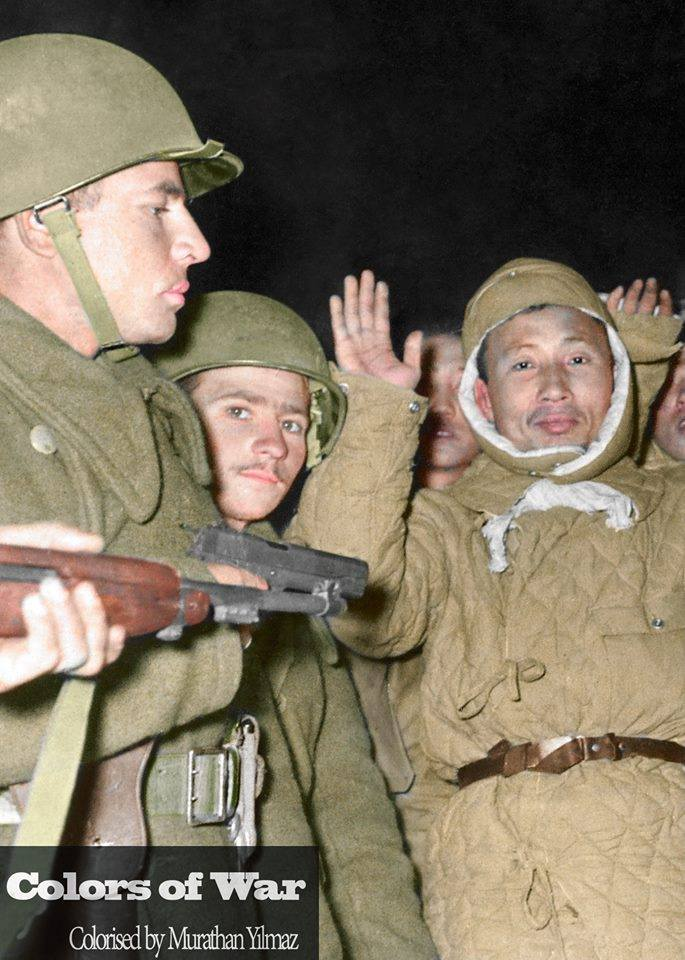Лагерь Geoje-do и его охранники. Война в Корее. ( 27 фото )
