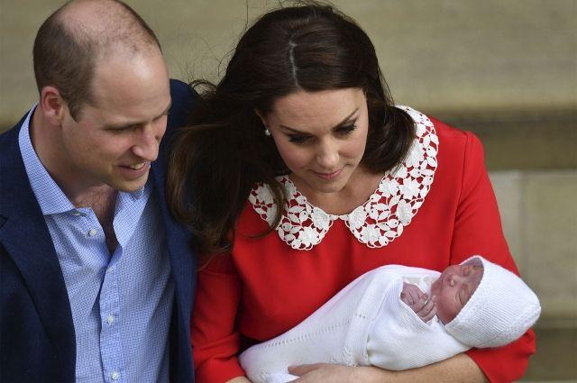 В Лондоне в честь рождения сына принца Уильяма устроили оружейный салют