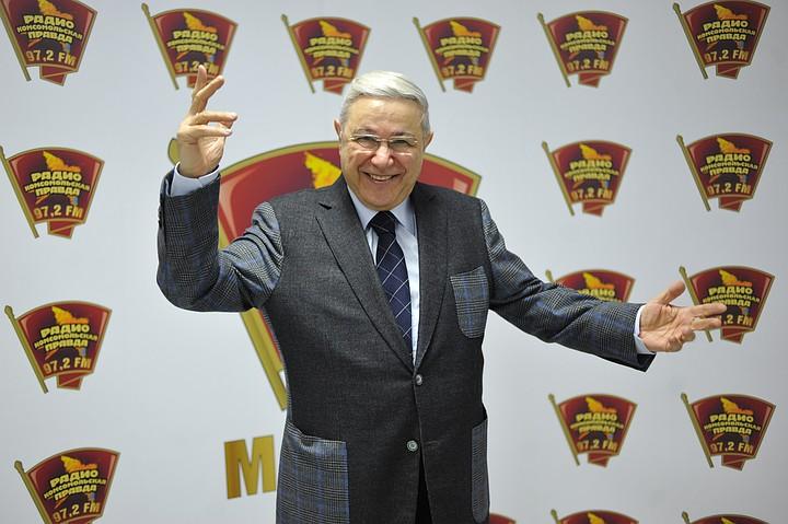 Петросян отметил развод со Степаненко бокалом шампанского