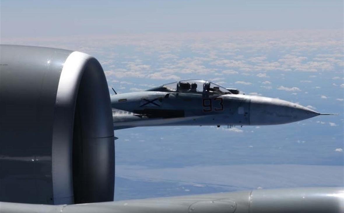 CNN узнал о «непрофессиональном» сближении Су-27 и американского самолета