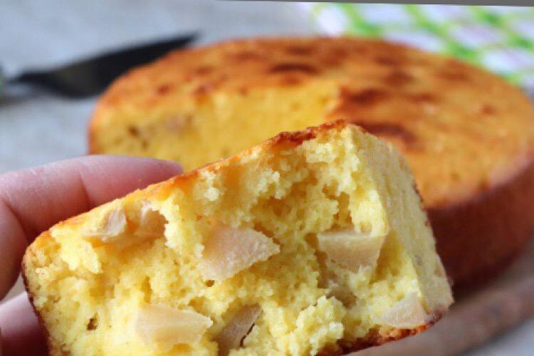 Вкуснейшая шарлотка с манкой и яблоками