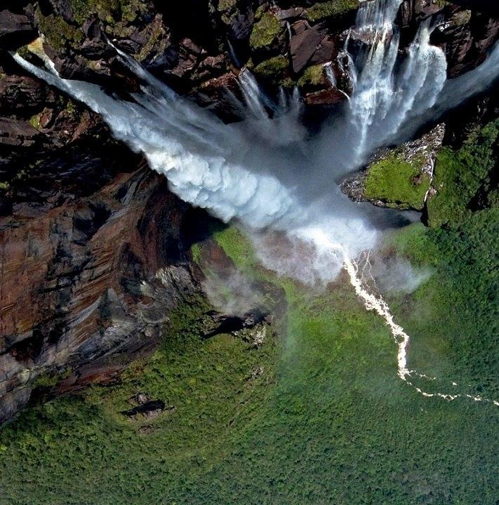 Водопады национального парка Канайма