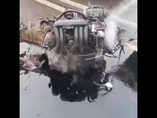 Двигатель вывалился из машины, но продолжил работать