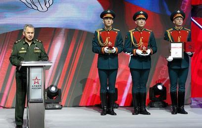 "Журналист ""ТВ Центра"" Тимур Абдуллаев получил почетную медаль Минобороны"