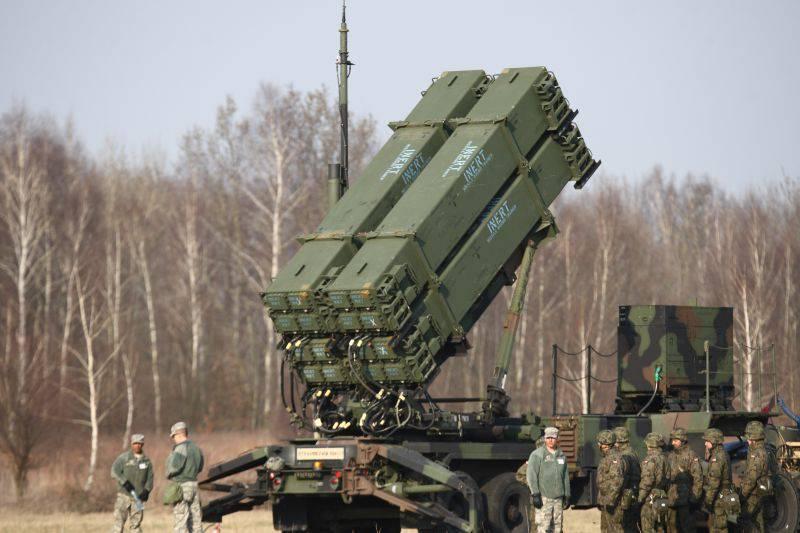 """В СМИ США заявили, что Вашингтон сам подтолкнул РФ к """"нарушению"""" ДРСМД"""