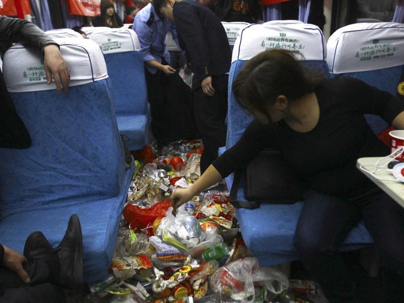 Вот в это — превращаются китайские поезда в праздничное время в час пик