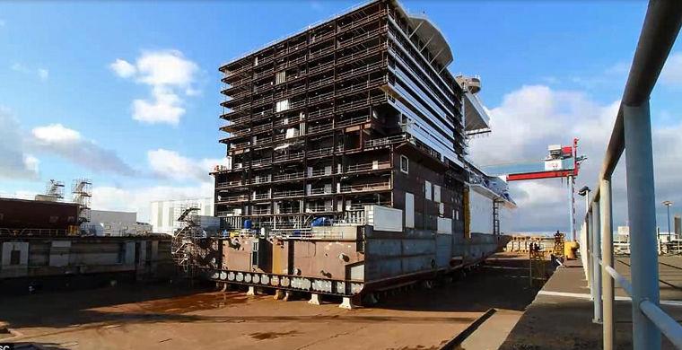 Таймлапс-видео показывает, как растет гигантский лайнер