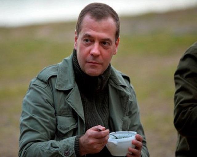 Ветеран вернул Медведеву при…