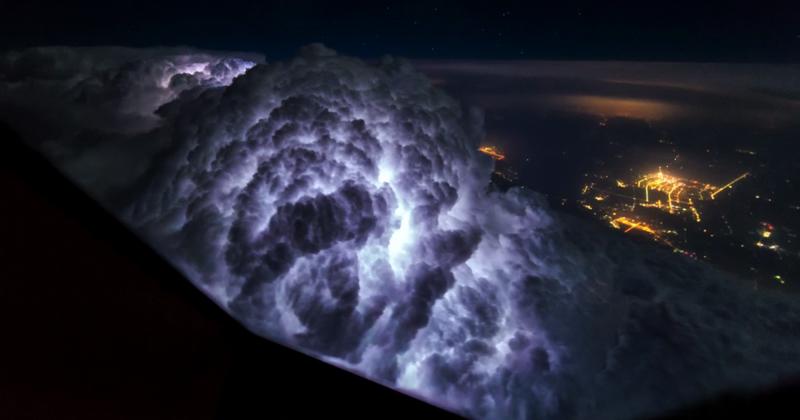 Захватывающие дух фотографии, сделанные пилотом из кабины авиалайнера