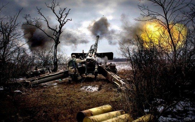 Донецк под огнём: мощный обс…