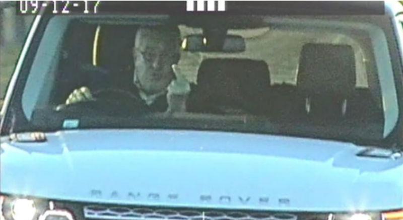 Британец поставил глушилку против дорожных камер и показывал полиции средний палец. Но глушилка не сработала