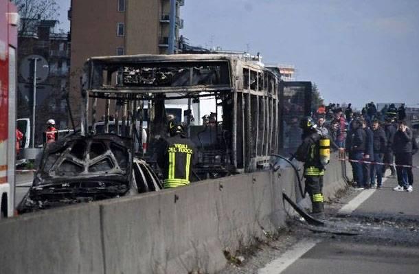 Стали известны подробности поджога автобуса с детьми в Италии