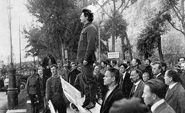 Если бы в СССР Троцкий победил Сталина, все было бы иначе?