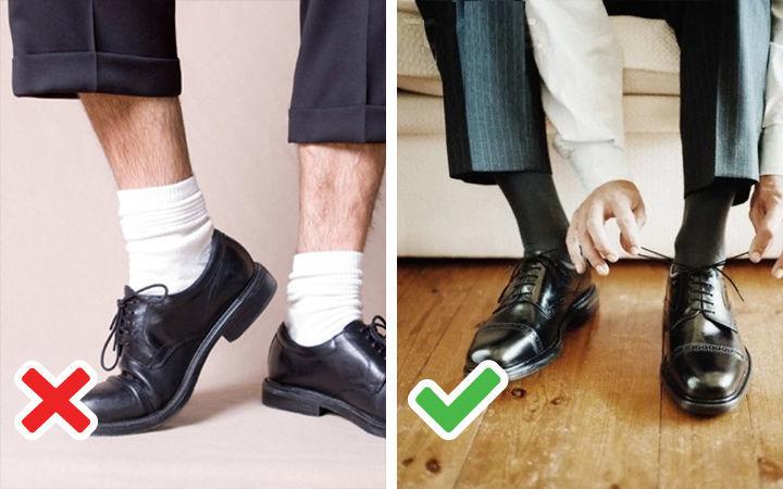 Белые носки с принтами - фото