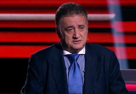 """""""Не дорос еще щенок"""" - Багдасаров, в прямом эфире, не позволил молодому украинскому политологу перебивать его"""