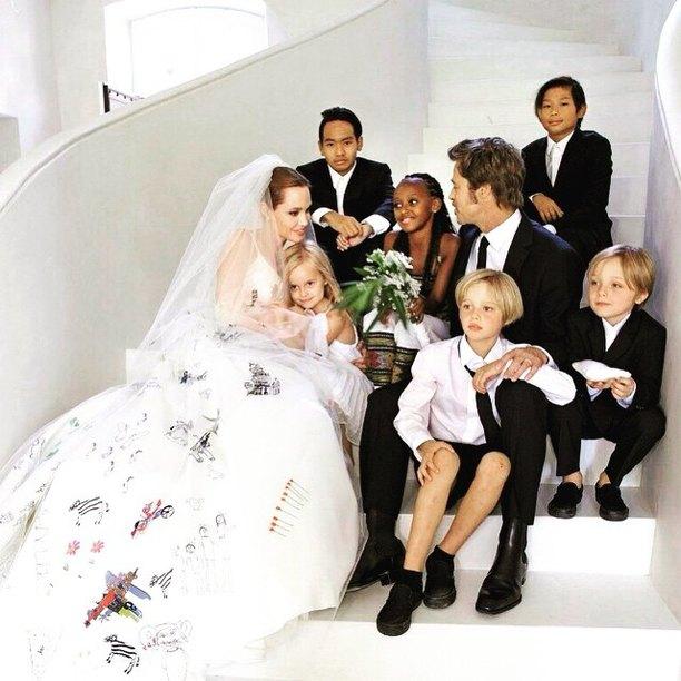 Дети Джоли и Питта хотят воссоединить родителей на День Благодарения