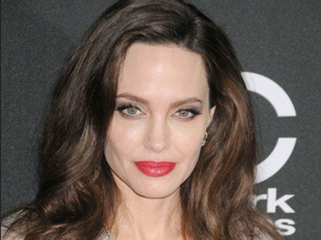 Джоли пришла в бешенство из-…