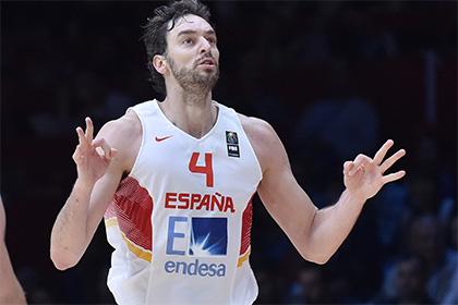 Испанский баскетболист сломал руку на разминке перед матчем НБА