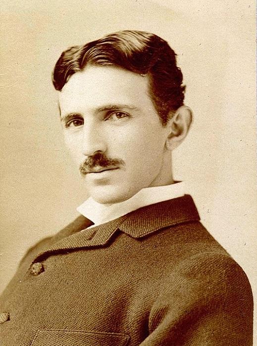 Тесла и Эдисон: как складывались отношения двух великих исследователей