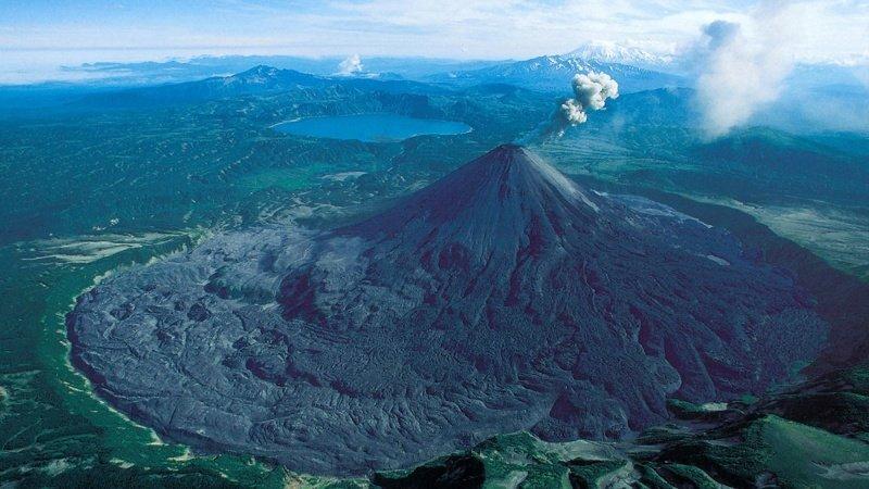 Предками достаточно большой части современного человечества стала небольшая популяция (ок. 2000 людей), пережившая 75 тыс. лет назад мощное извержение супервулкана и 20 лет зимы древние люди, история, факты, человечество