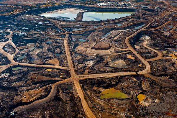 Сбои энергоснабжения остановили два ключевых нефтепровода изКанада вСША
