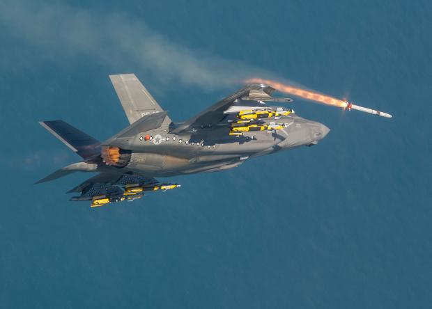 Истребитель F-35 станет «летающим радаром»