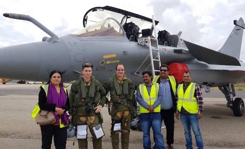"""Французы показали первый """"индийский"""" истребитель Dassault Rafale"""