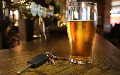 Известного телеведущего поймали пьяным за рулем. И наказали гигантским штрафом!