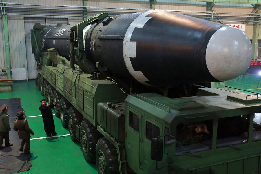 Ким Чен Ын сдался? Откажется от бомбы или нет?