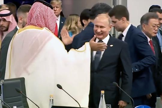 Хуже Путина или нет? Смогут ли американские элиты покончить с нефтедолларом?