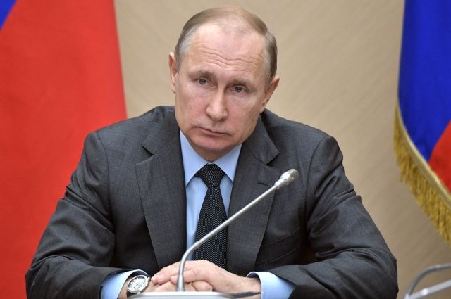 Путин подписал закон о блокировке в сети порочащих честь данных