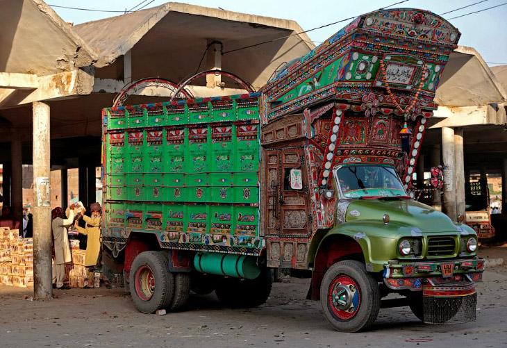 Яркие грузовики Пакистана
