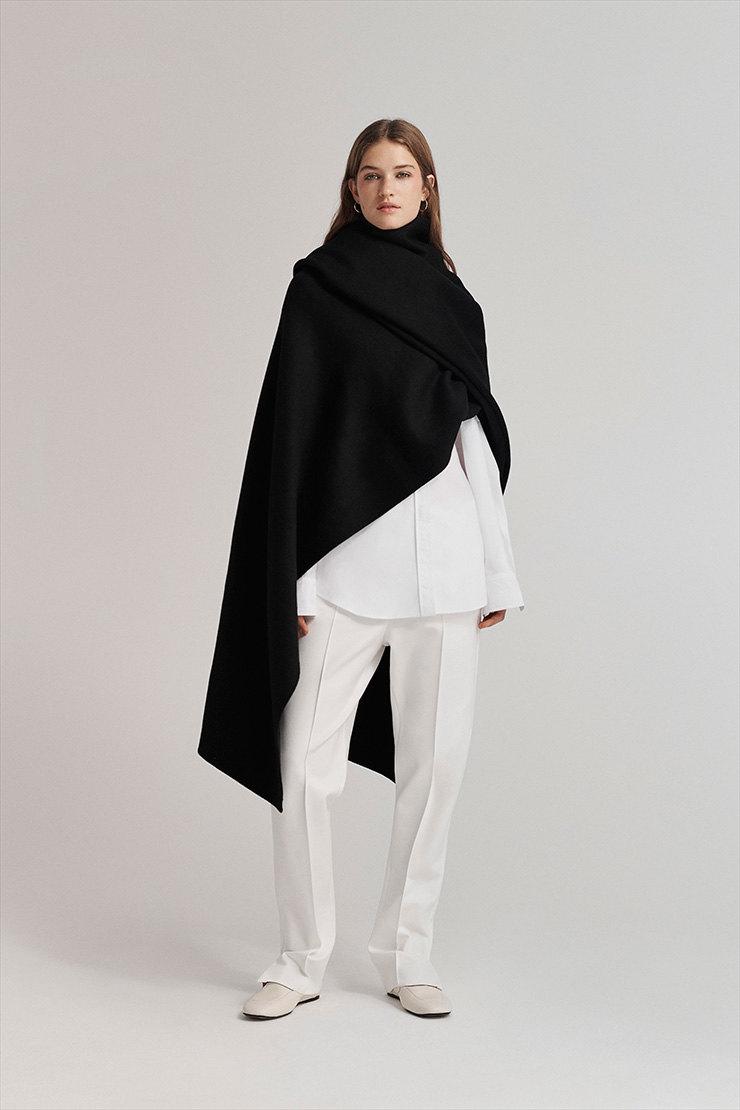 Кожаный жакет, толстые пальто и мягкие свитеры для любого времени года в новой коллекции Joseph