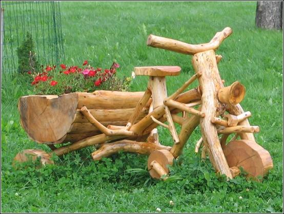 классные поделки из дерева для украшения дачного участка