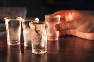 Без экстрима и похмелья. Способы домашней очистки водки и спирта