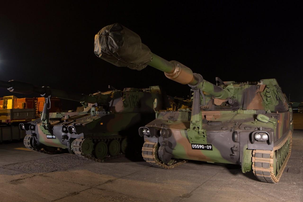 Латвия получила первые 155-мм самоходные гаубицы М109А5Öе