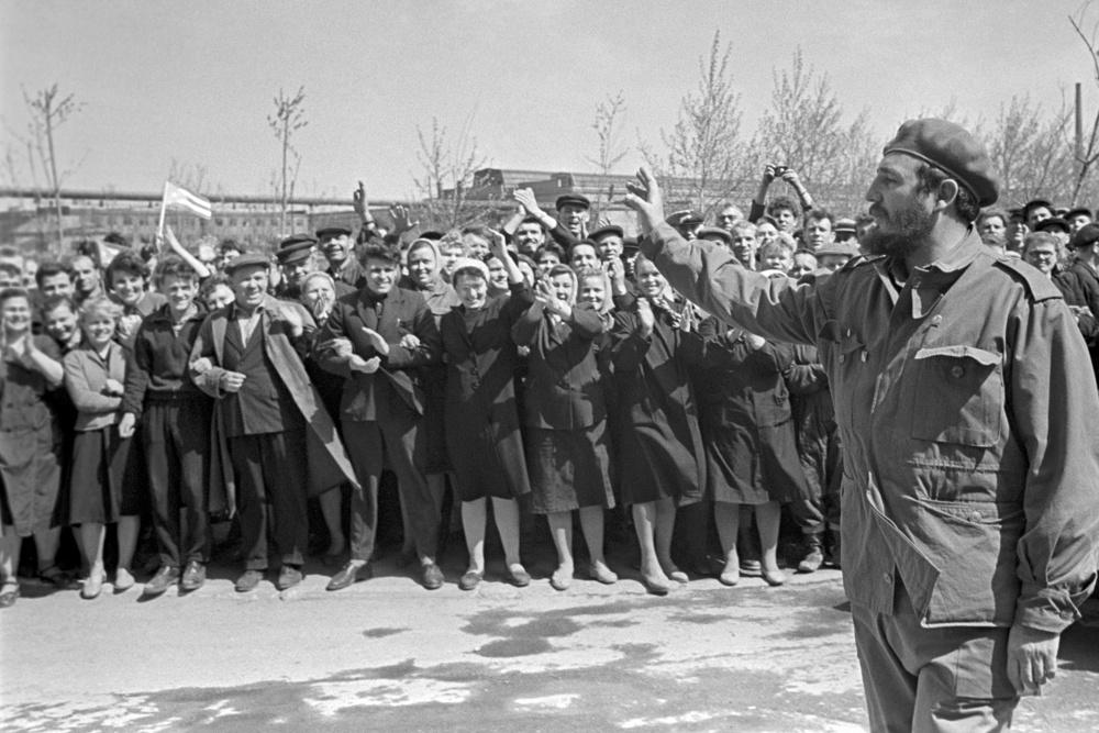 27 апреля 1963 года начался первый визит лидера кубинской революции Фиделя Кастро в СССР